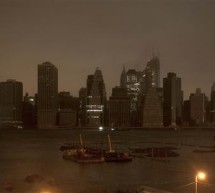 Monster storm Sandy leaves New York, eastern U.S. crippled